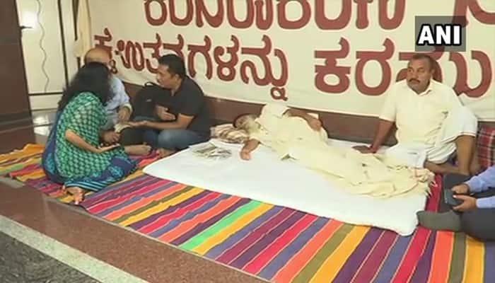 காந்தியவாதி ஹெகோதோ-வின் போராட்டத்தில் நடிகரை பிரகாஷ்ராஜ்!
