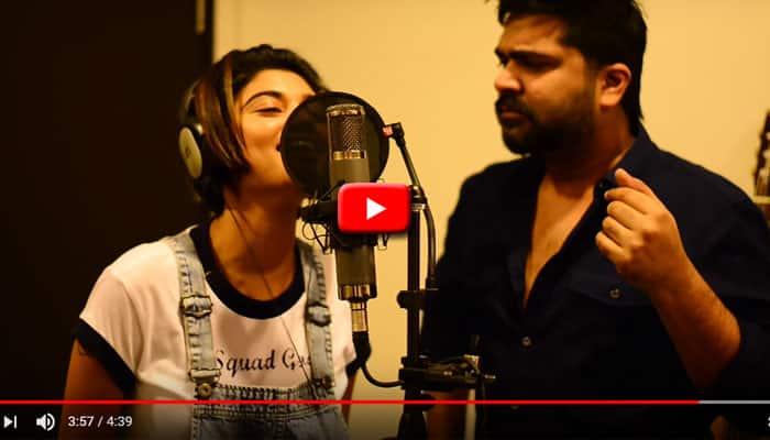 VIDEO: ஓவியா - சிம்புவின் நியூ இயர் சர்ப்ரைஸ்!