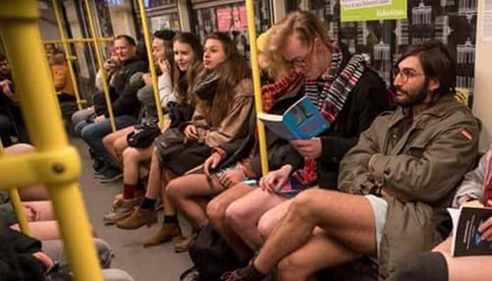 'No Pants Subway Ride'- பேண்ட் அணியாமல் ரயிலில் பயணம் செய்யும் மக்கள்!