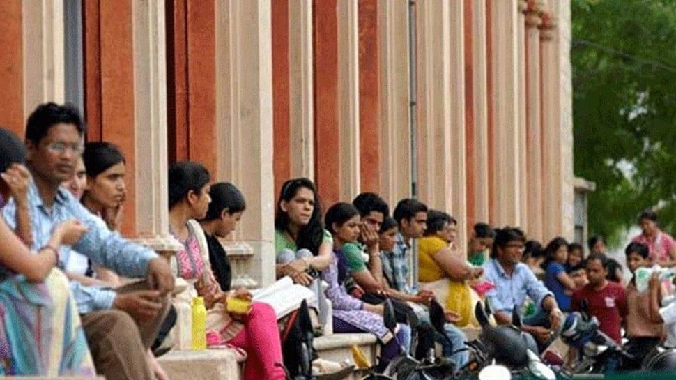 கல்லூரி வளாகத்தில் அரசியல் பேச தடை -கல்வி இயக்குனர் சுற்றறிக்கை!