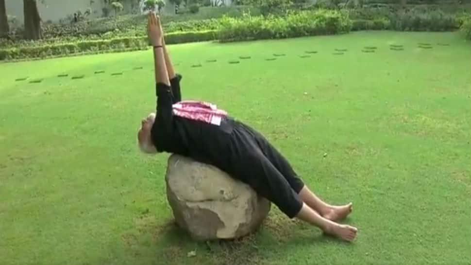 #FitnessChallenge: சவாலை முடித்த பிரதமர் மோடி! வீடியோ!