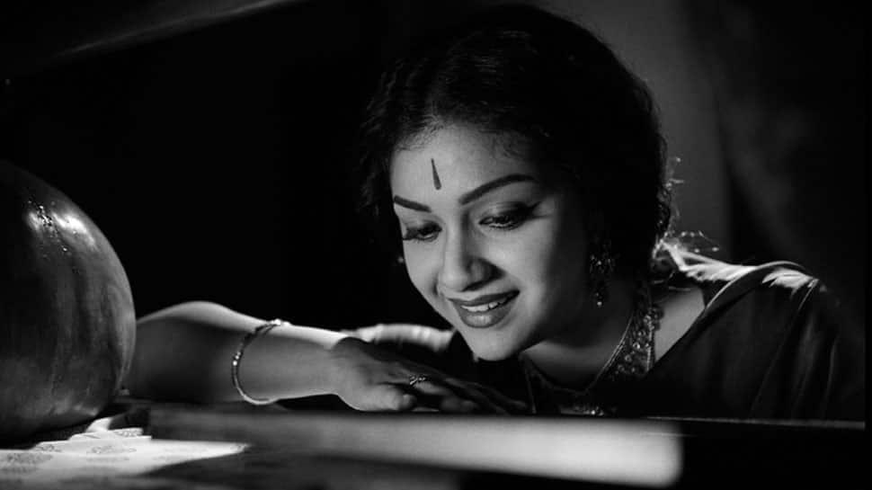 மீண்டும் நடிகை சாவித்ரியாக அவதாரம் எடுக்கும் கீர்த்தி சுரேஷ்!