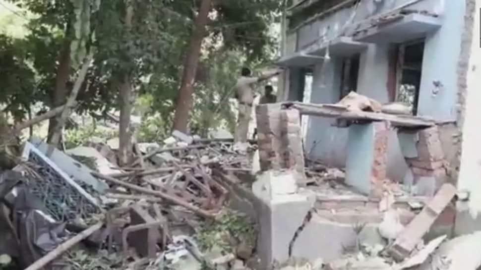 திரிணாமூல் காங்கிரஸ் அலுவலகத்தில் குண்டு வெடித்தில் 2 பேர் பலி; 3 பேர் காயம்