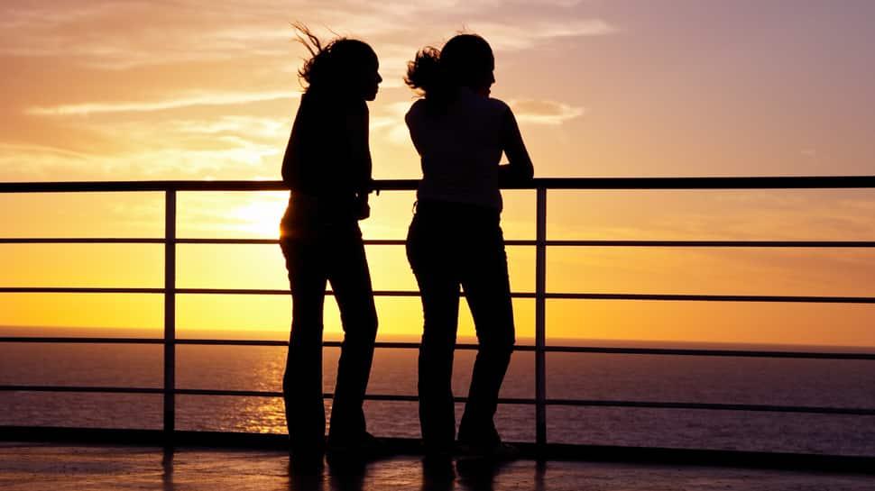 LGBT சமுதாயத்தின் வெற்றி; கேரளாவில் 2 பெண்கள் இணைந்து வாழ உயர்நீதிமன்றம் அனுமதி!