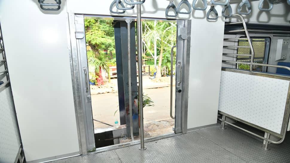 புகைப்படங்கள்: சென்னை ஐசிஎப்-லிருந்து டெல்லிக்கு புதிய அதிநவீன ரயில்