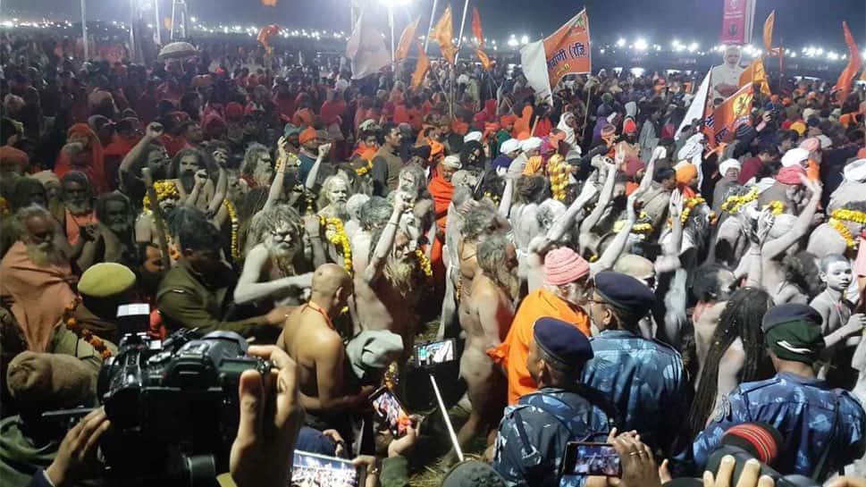 தை அமாவாசை: கும்பமேளாவில் கோடிக்கணக்கான குவியும் பக்தர்கள்!!