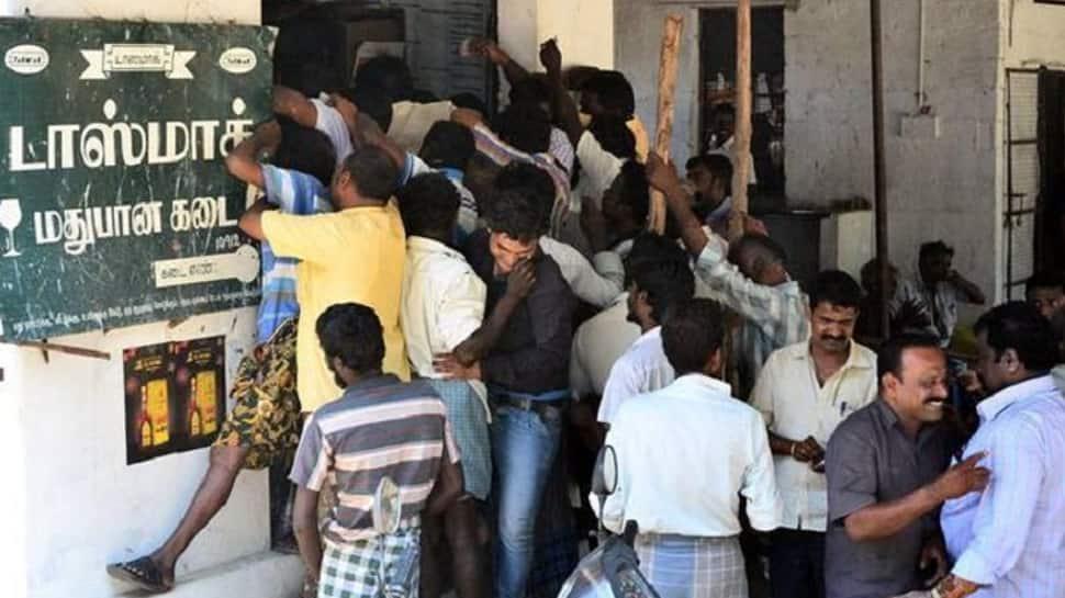 டாஸ்மாக் கடைகள் மூலம் தமிழக அரசுக்கு 26,797 கோடி வருவாய்!
