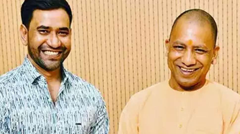 பாரதிய ஜனதா கட்சியில் இணைந்த திரை நட்சத்திரங்கள்!!