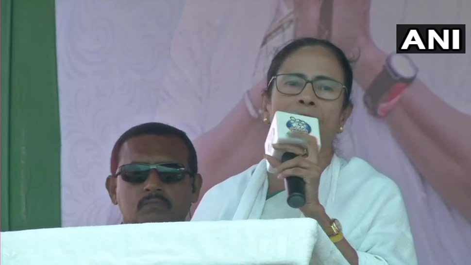 வன்முறைக்கான ஆதாரங்களை கொடுங்கள் மோடி ஜி; இல்லையெனில் சிறைக்கு செல்வீர்: மம்தா