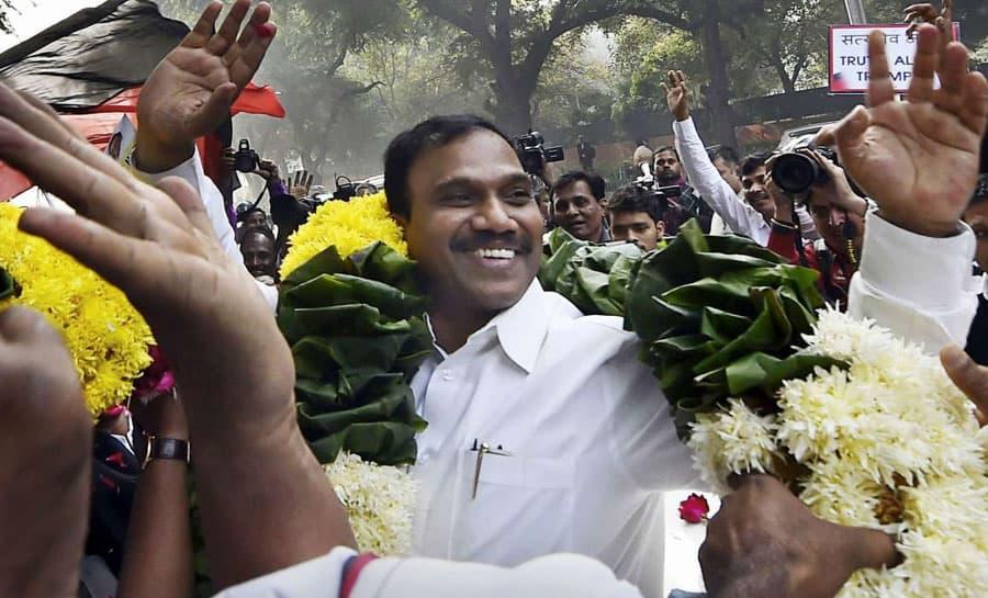 நீலகிரி தொகுதியில் 2 லட்சம் வாக்கு வித்தியாசத்தில் வெற்றி பெற்ற ஆ.ராசா