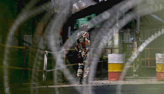 J&K: லஸ்ஸிபோரா பகுதியில் 4 பயங்கரவாதிகள் சுட்டுக்கொலை!!