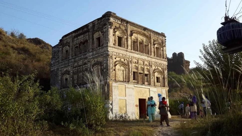 72 ஆண்டுகளுக்கு பிறகு பாகிஸ்தானில் மீண்டும் குருத்வாரா திறப்பு!