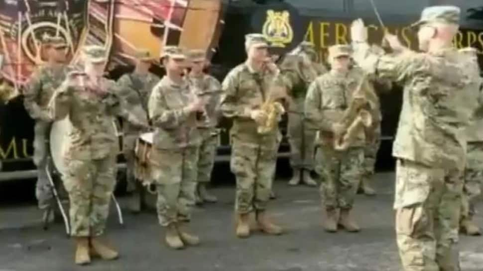Watch: இந்திய தேசிய கீதமான 'ஜன கண மன' இசையை இசைத்த US வீரர்கள்!