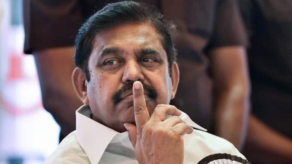 தமிழக முதலமைச்சர் பழனிசாமிக்கு கவுரவ டாக்டர் பட்டம் வழங்கள்..!