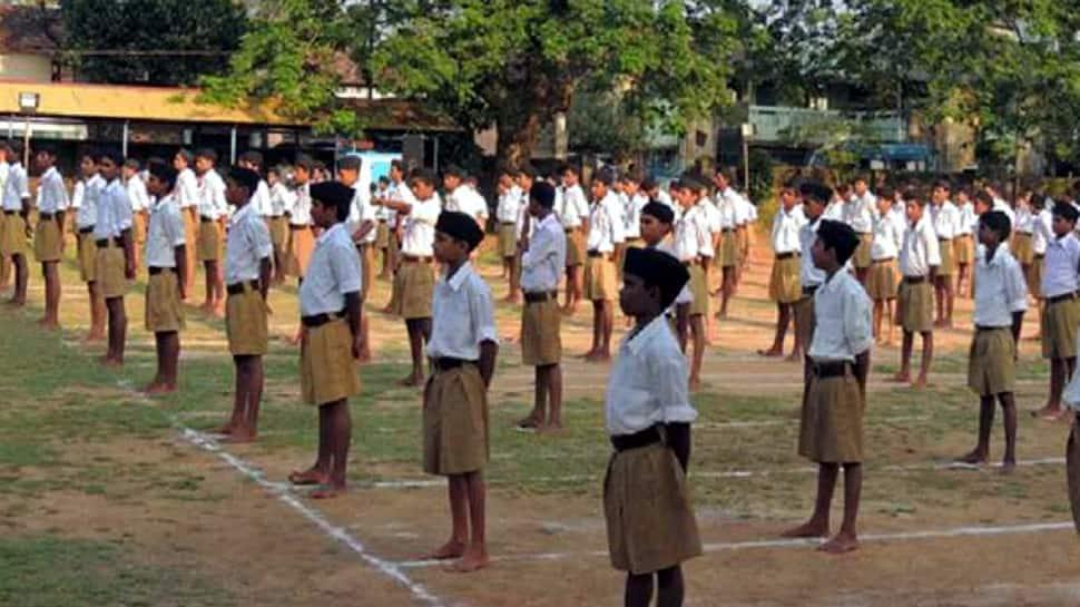அரசு துறையில் பணிபுரியும் RSS தன்னார்வலர்கள் பட்டியலை கோரும் காங்கிரஸ்