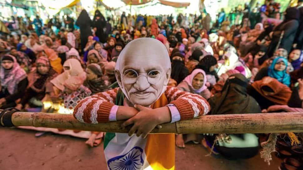 ஷாஹீன் பாக் போராட்டம்: பேச்சுவார்த்தை நடத்த சமரசம் குழுவை அமைத்த சுப்ரீம்கோர்ட்