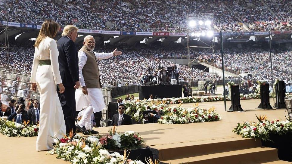 குஜராத்தில் கொரோனா பரவுவதற்கு 'நமஸ்தே டிரம்ப்' நிகழ்ச்சி தான் காரணம் -காங்கிரஸ்!