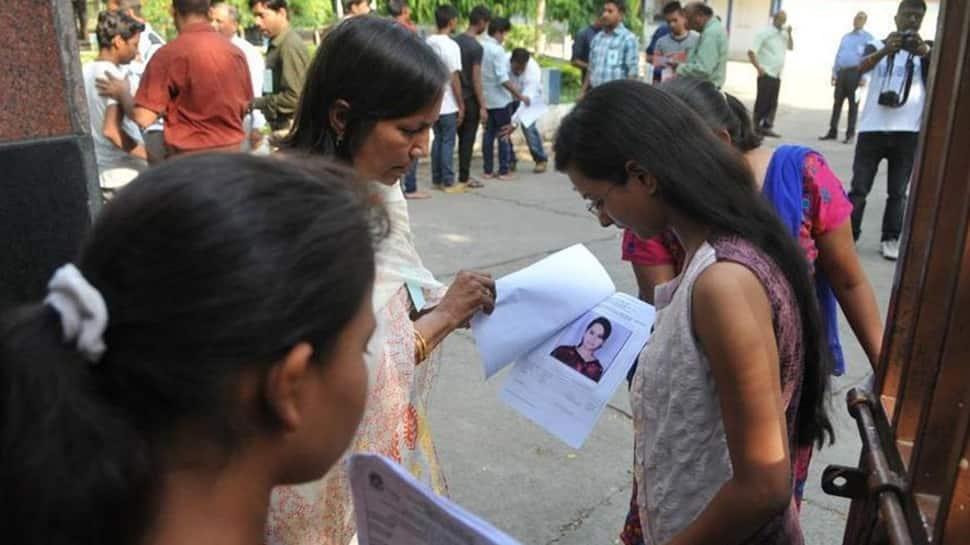 NEET போட்டித் தேர்வுக்கான online பயிற்சி வகுப்பினை துவங்கிவைத்தார் முதல்வர்!