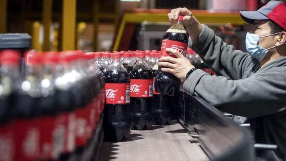 சமூக ஊடக விளம்பரங்களை 30 நாட்களுக்கு  நிறுத்து வைப்பதாக Coca Cola அறிவித்துள்ளது...