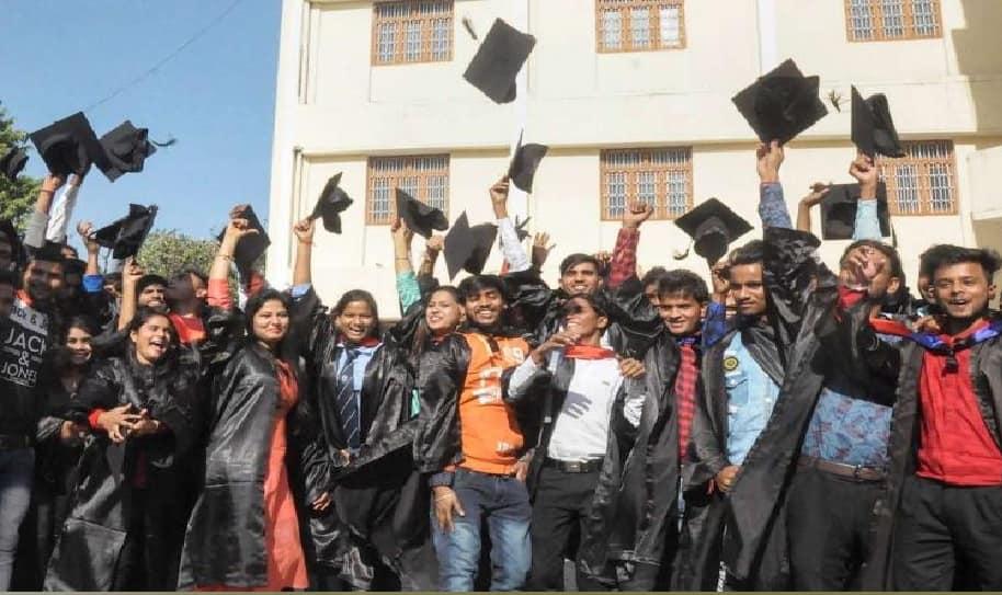 கலை, அறிவியல் மற்றும் பாலிடெக்னிக் படிப்புகளுக்கான ஆன்லைன் விண்ணப்பம்: TN Govt அறிவிப்பு