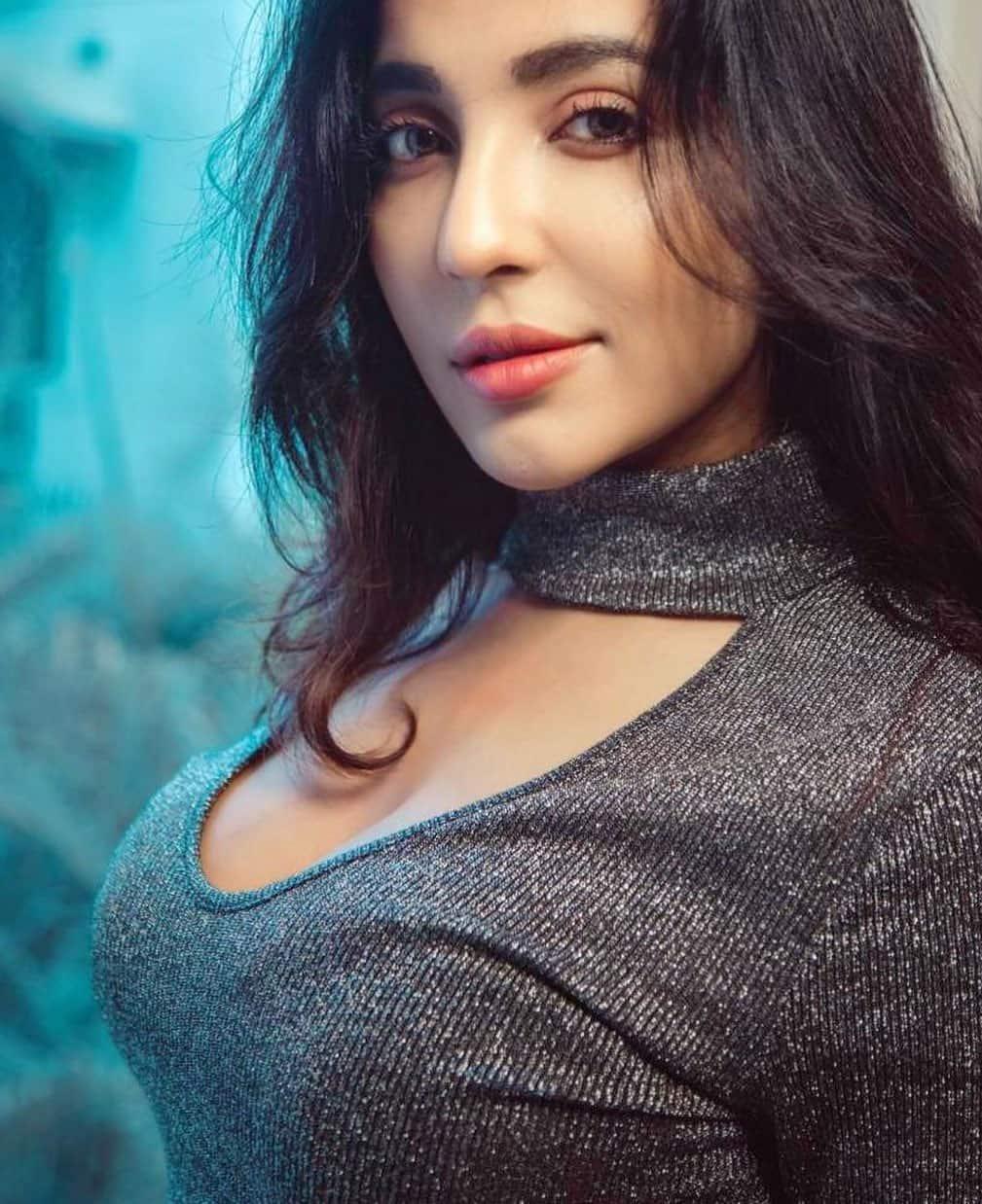 Parvati Nair Sexy Photos