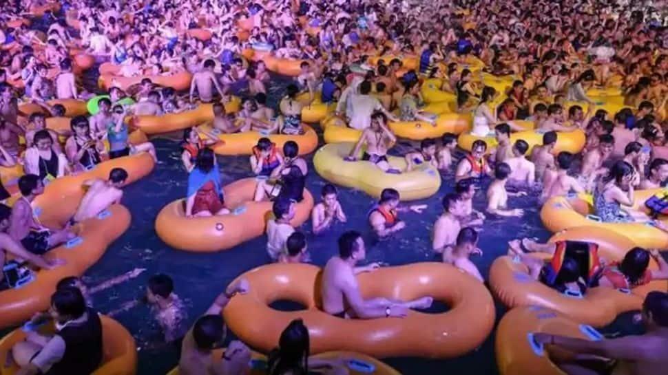 உலகுக்கு கொரோனாவைக் கொடுத்துவிட்டு, உள்ளூரில் குத்தாட்டமா? Watch Wuhan Party!!