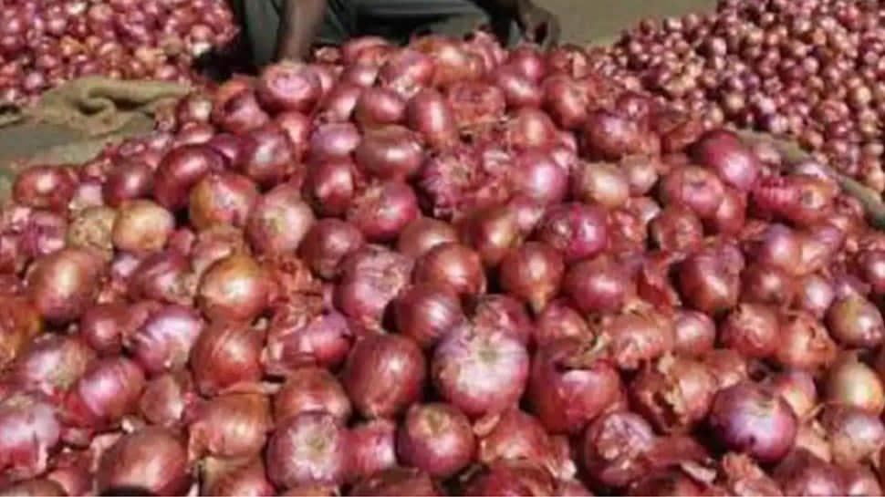 Onion: வெங்காய ஏற்றுமதிக்கான தடை உடனடியாக அமலுக்கு வந்தது...