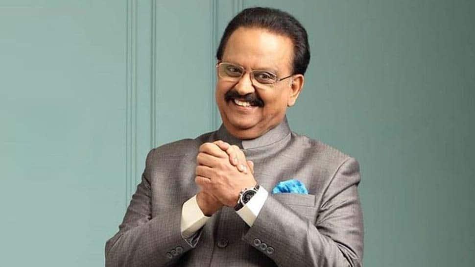 என்ன ஆச்சு SPB-க்கு... மருத்துவமனைக்கு விரைந்த குடும்பத்தினர்!!