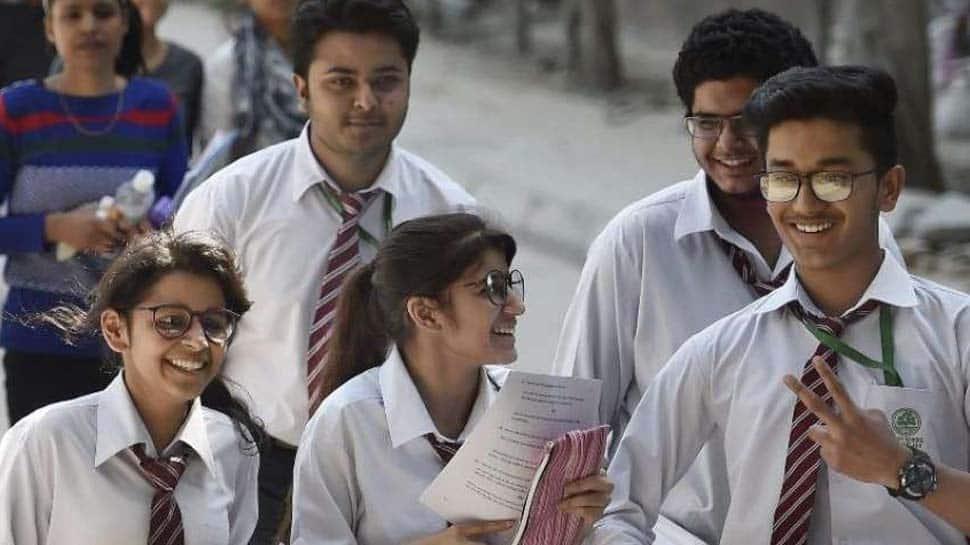 தனியார் பள்ளி கட்டணத்தை 20% குறைக்க உயர் நீதிமன்றம் உத்தரவு..!