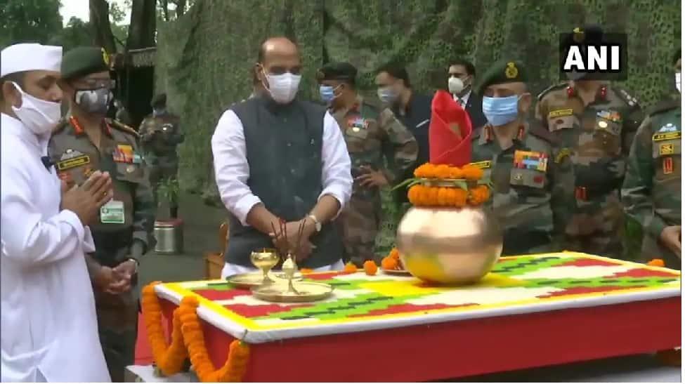 அமைதியை விரும்பும் அதேநேரத்தில், ஒரு அங்குல நிலத்தை கூட இந்தியா விட்டுத்தராது: Rajnath Singh