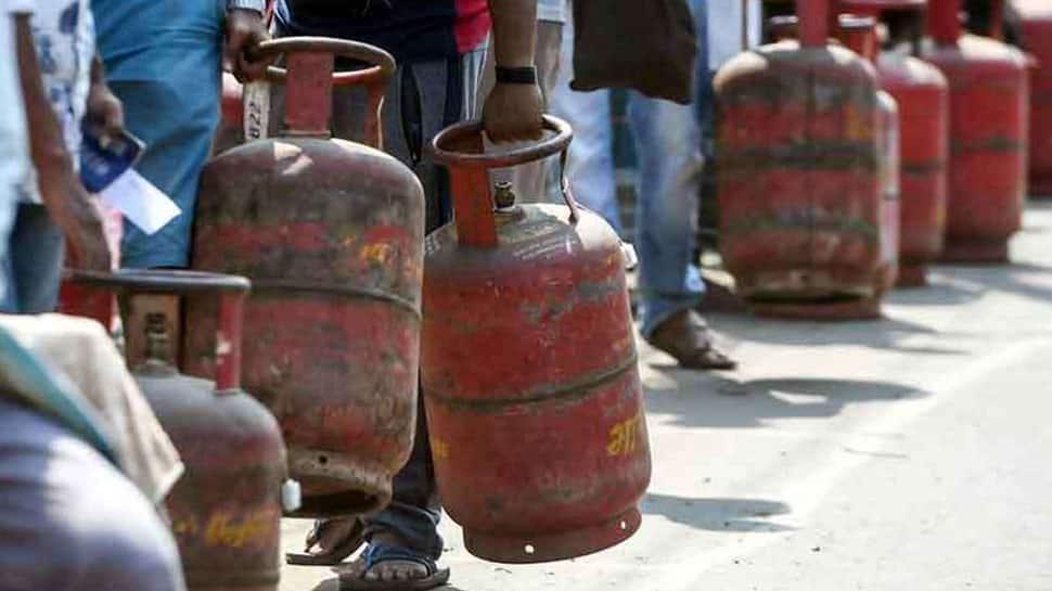 நவம்பர் 1 முதல் மாறும் விதிமுறை! LPG சிலிண்டர் விநியோகம் நிறுத்தப்படலாம்! மக்களே உஷார்