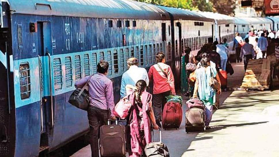 இனி PNR ஸ்டேட்டஸ்யை WhatsApp மூலம் நொடியில் அறிந்து கொள்ளலாம்!