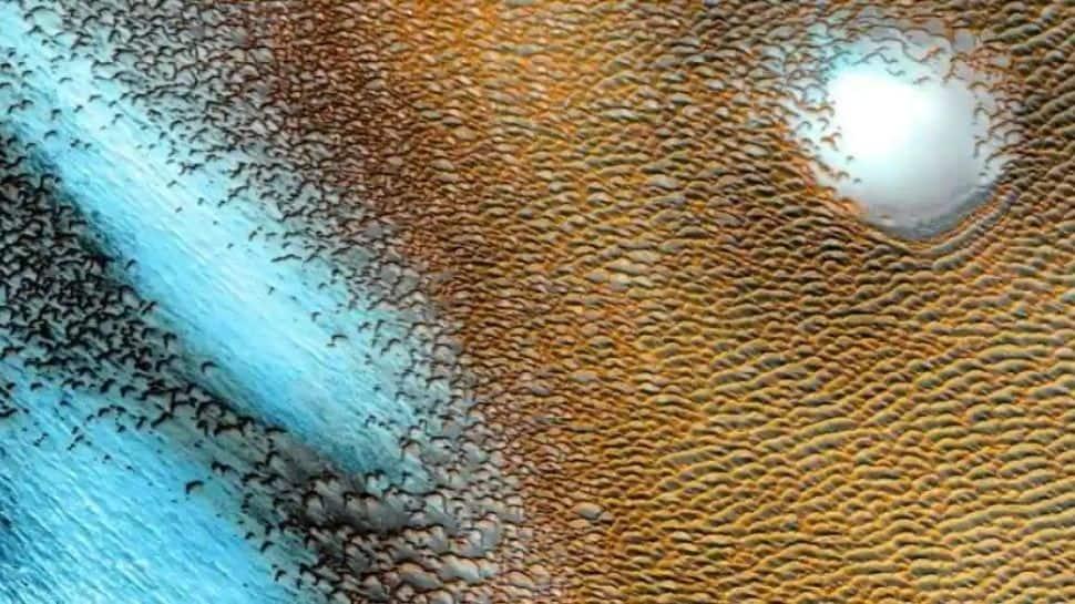 செவ்வாய் கிரகத்தில் தங்க குன்றுகள்? NASA வெளியிட்டுள்ள அசத்தல் படங்கள்