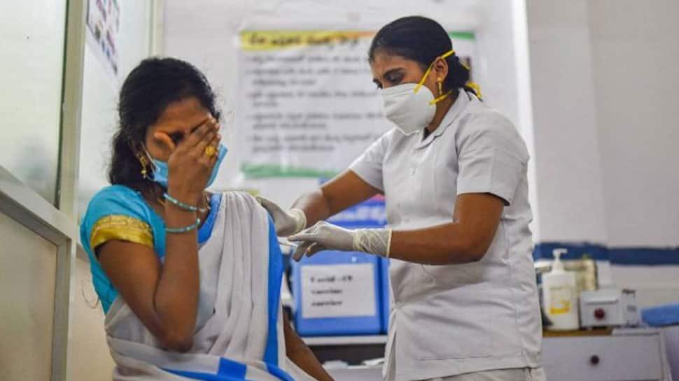 Free Vaccination: யாருக்கெல்லாம் இலவசமாக கொரோனா தடுப்பூசி போடப்படும்