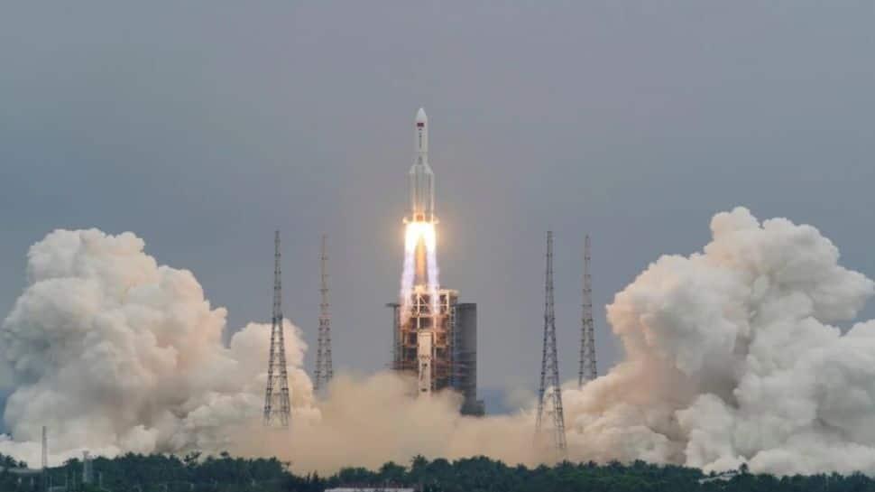China Rocket: சீன ராக்கெட்டின் ராட்சத பாகங்கள் கடலில் விழுந்தன!