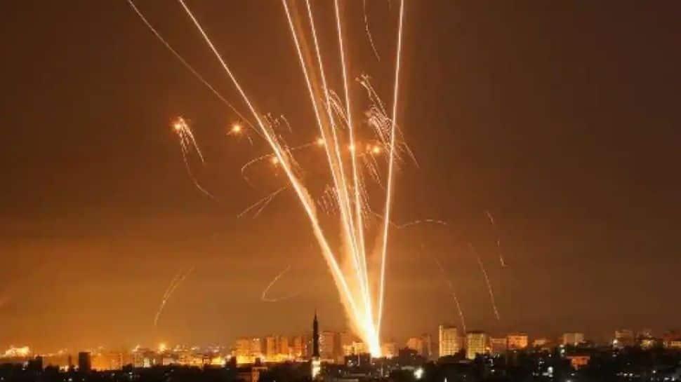 Tel Aviv: இஸ்ரேல் - பாலஸ்தீனம் இடையே அமைதி கோரி பேரணி