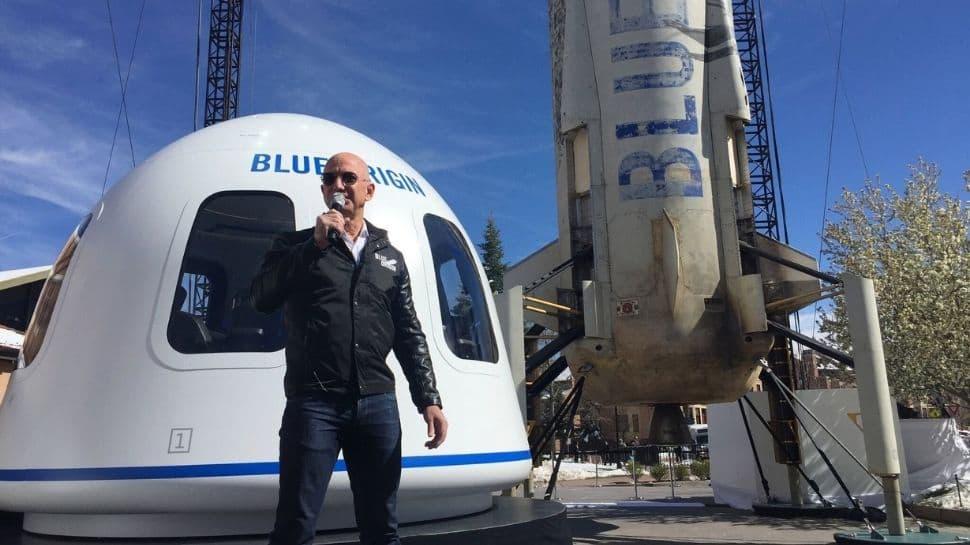 Jeff Bezos : இன்று ப்ளூ ஆரிஜன் விண்கலத்தில் விண்வெளிப்பயணம்