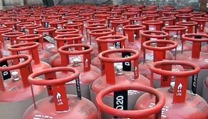 LPG Gas Cylinder Price: சமையல் எரிவாயு சிலிண்டர் விலை கடும் உயர்வு