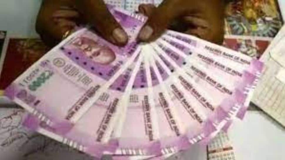 7th Pay Commission: தமிழக அரசு ஊழியர்களுக்கு டி.ஏ உயர்வு எப்போது? விரைவில் பம்பர் செய்தி