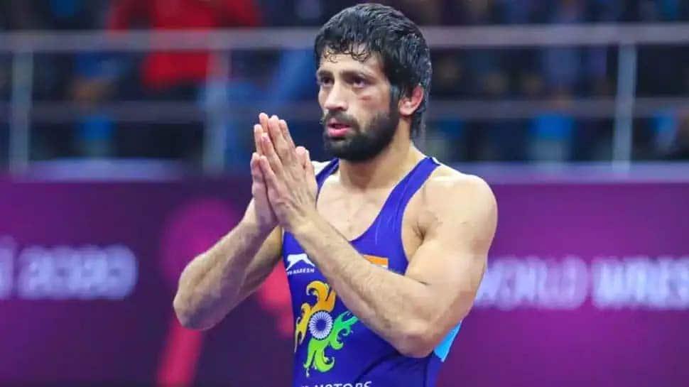 Tokyo Olympics: மல்யுத்தப் போட்டியில் இறுதிச்சுற்றுக்கு தகுதி பெற்றார் ரவிக்குமார் தஹியா