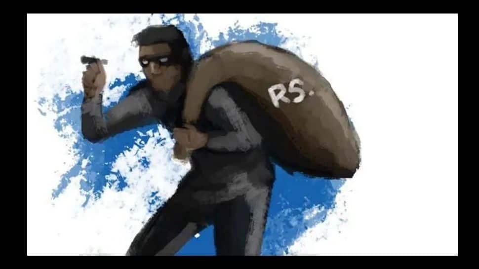 சினிமா பாணியில் கொள்ளை; 1.4 லட்சம் ரூபாயை பறி கொடுத்த முதியவர்
