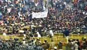 JNU மாணவர்கள் போராட்டம்: காவல்துறை, மாணவர்களுக்கு இடையே தள்ளு முள்ளு!