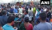 சமூக இடைவெளி இல்லை, சென்னை காசிமேடு துறைமுகத்தில் குவியும் மீன்பிரியர்கள்