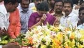 AIADMK: ஜெயலலிதா சமாதியில் தியானம் கலைந்த சசிகலாவின் அஞ்சலி! நடந்தது என்ன?