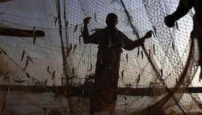 8 தமிழக மீனவர்கள் கைது: இலங்கை கடற்படையினர் அடாவடி