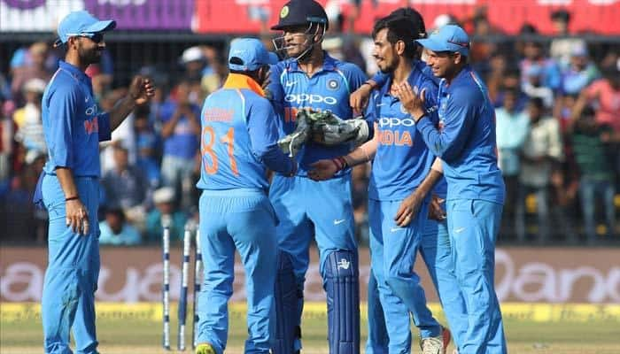 3-வது ஒருநாள்: இந்தியா வெற்றி; 3-0 எனக் கைப்பற்றியது!!