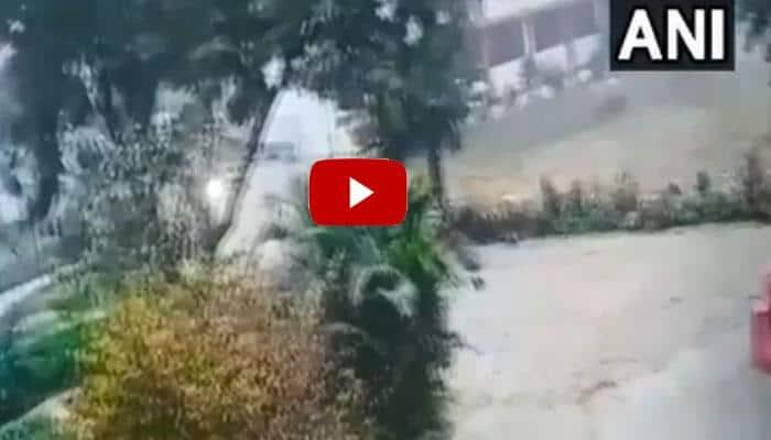 வீடியோ: லக்னோ பள்ளிக்குள் நுழைந்த சிறுத்தை!!