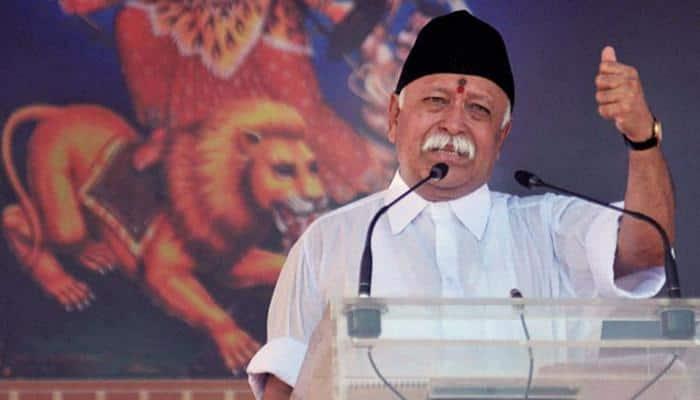 அரசின் எதிர்பினை மீறி கொடியேற்றிய RSS இயக்க தலைவர்!