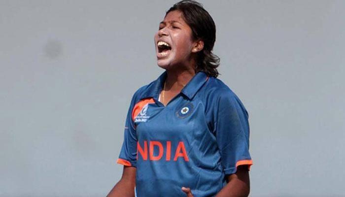 ஒருநாள் போட்டியில் 200 விக்கெட் எடுத்து இந்திய வீராங்கனை சாதனை!