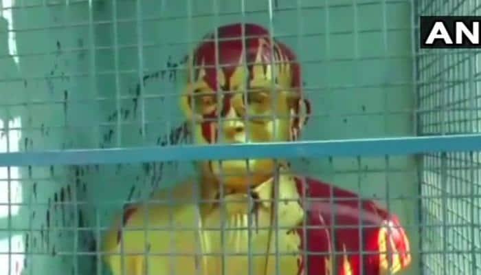 சென்னை அம்பேத்கரின் சிலை மீது பெயிண்ட் வீச்சு!